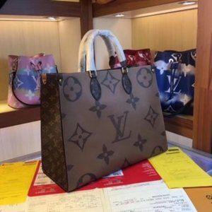 🎀LV 💖 Onthego Canvas Bag Brand New
